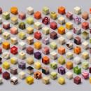 Food art : 98 cubes d'aliments crus coupés et disposés à la perfection