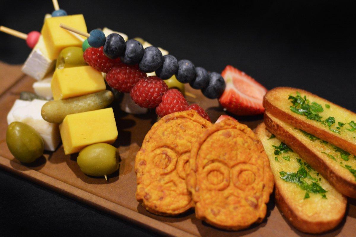 Des sabres fruits et fromages pour le Star Wars Restaurant