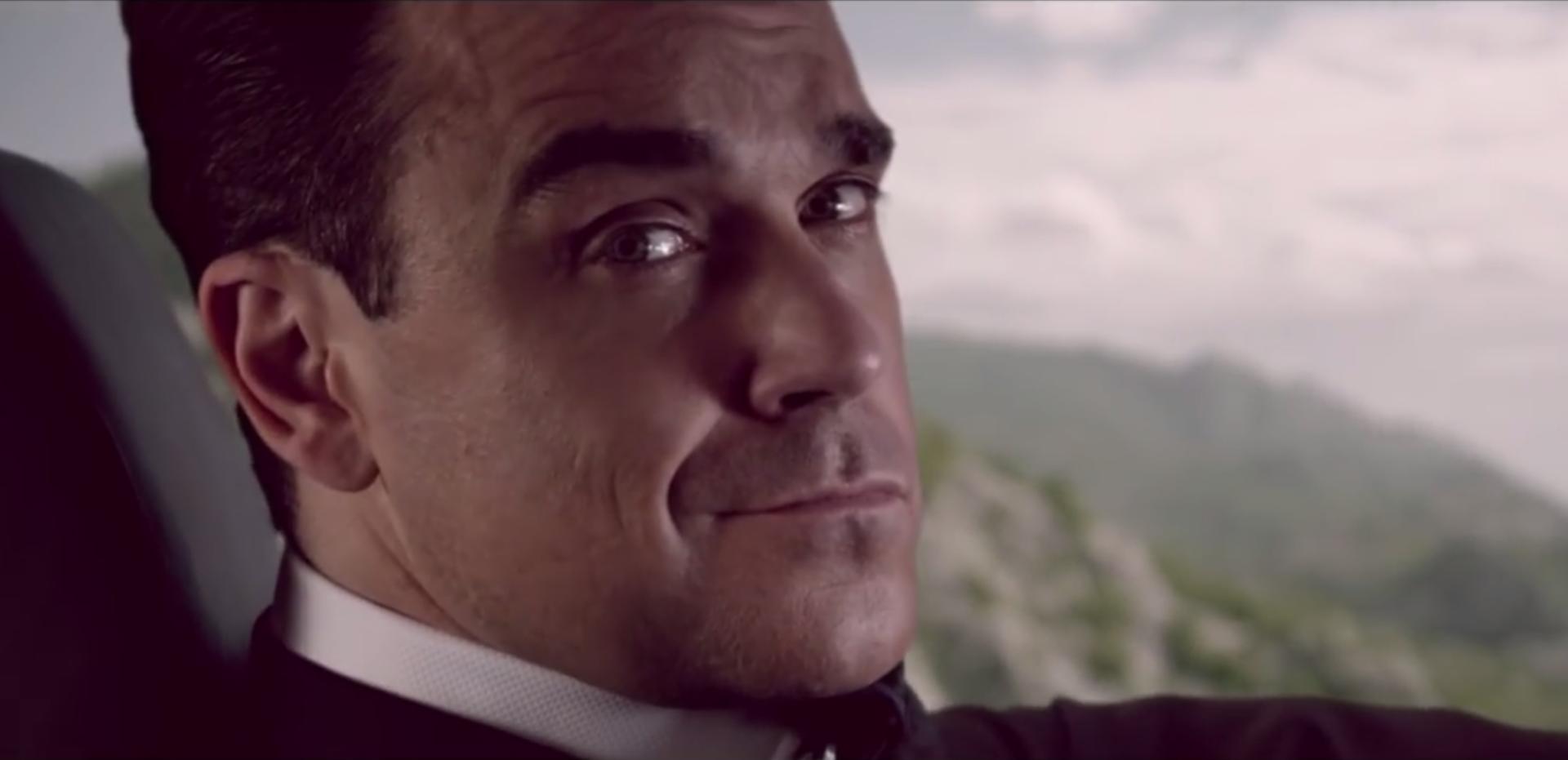 Café Royal nous offre un nouveau spot avec Robbie Williams