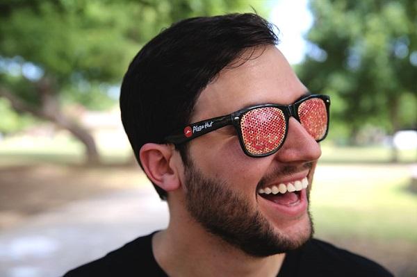 Les lunettes Pizza Hut