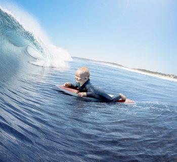 evian-live-young-publicite-bebe-surf