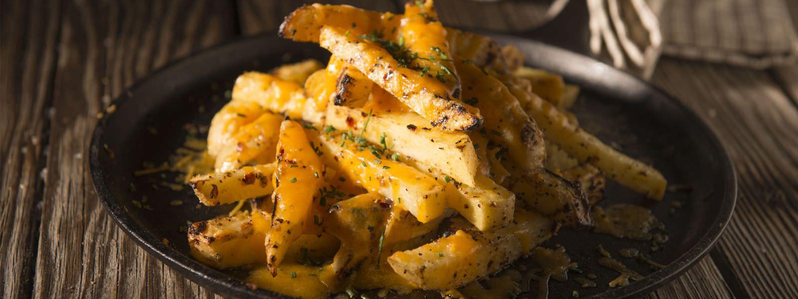 DW_Recipe_Cheesy_Garlic_Fries_Hero