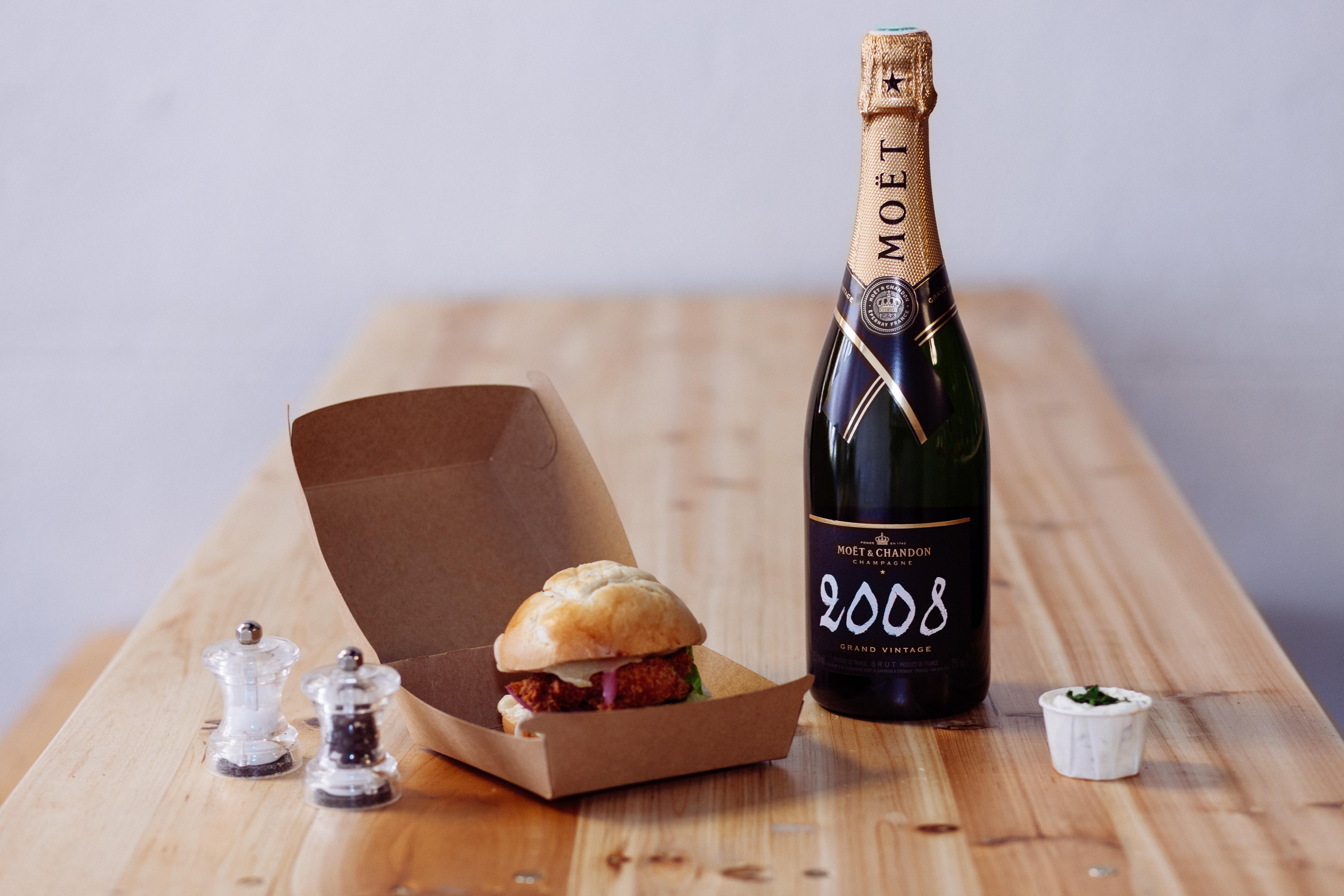 Maison-Moet-Burger-Le-Refectoire